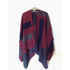 BB Dakota Reversible Poncho
